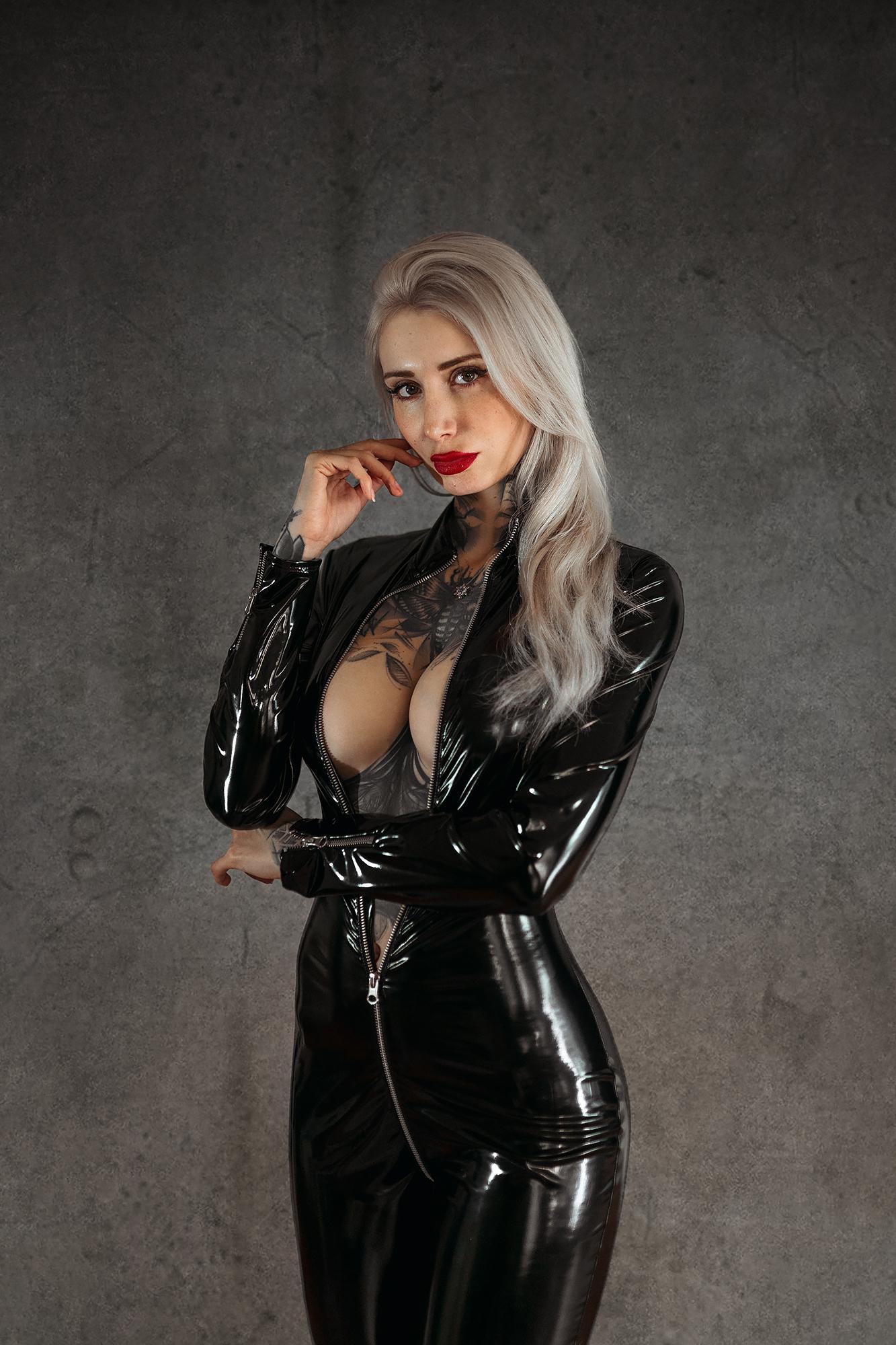 Hot sexy asian girls ass