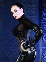 Domina Liane im Studio Golden Cage