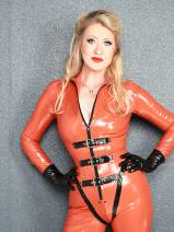 CLEO-BLONDE LATEXVERSUCHUNG